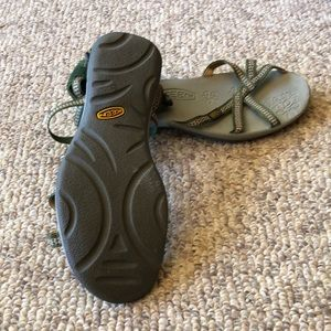 Keen Shoes - Keen strappy H20 green & pink ankle strap sandal 7
